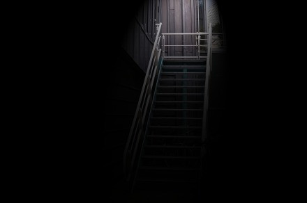 stairs-2799299_1920